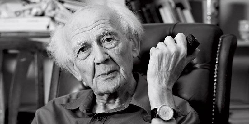 Zygmunt Bauman smoking a pipe