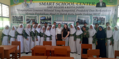 Education students in Sumatra with young English learners